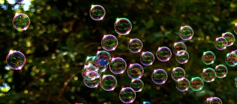 soap-bubbles-2417436_640.jpg
